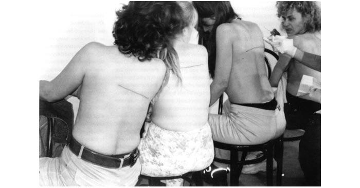 Santiago Sierra, seorang tattoo artist