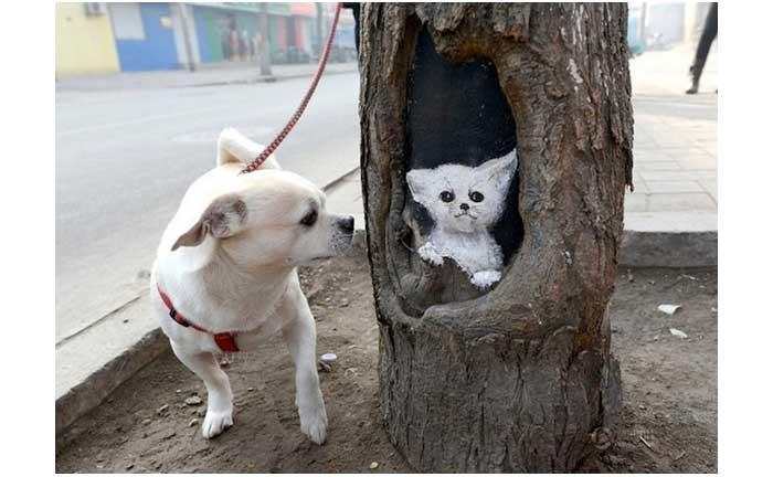 wang yue menggambar lukisan di lubang pohon