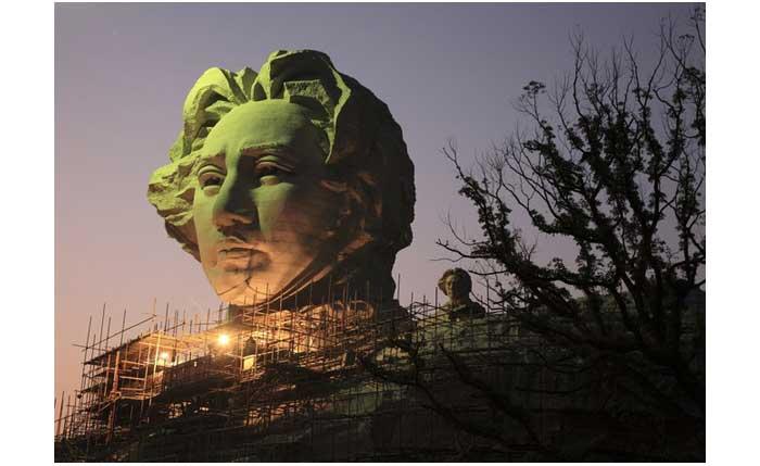 Patung Mao Tze Tung