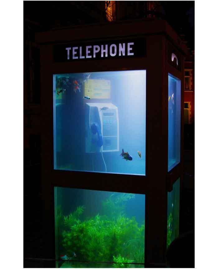 8_aquarium_creative_phone_booth