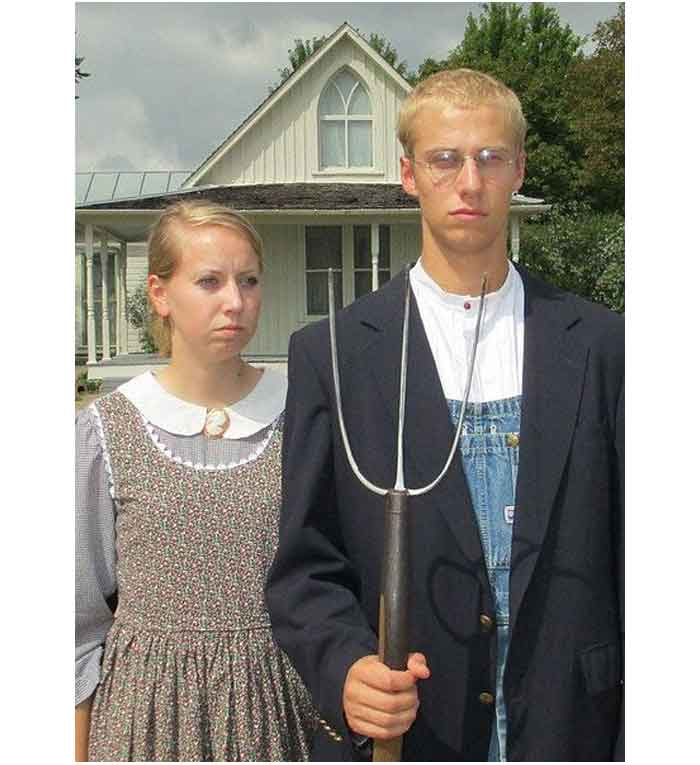 434px-American_Gothic_Dress-Up