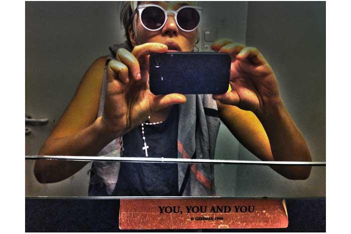 da6cb8d8-84d6-4191-aef6-388b170756d8_Jesse-Darling-Selfie-(1)