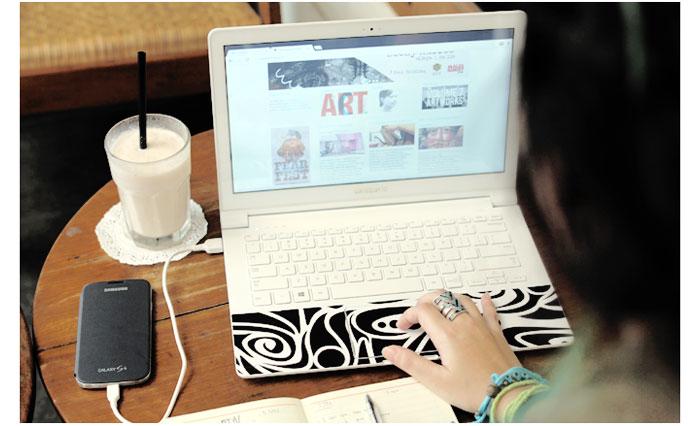 Kerja-pake-laptop