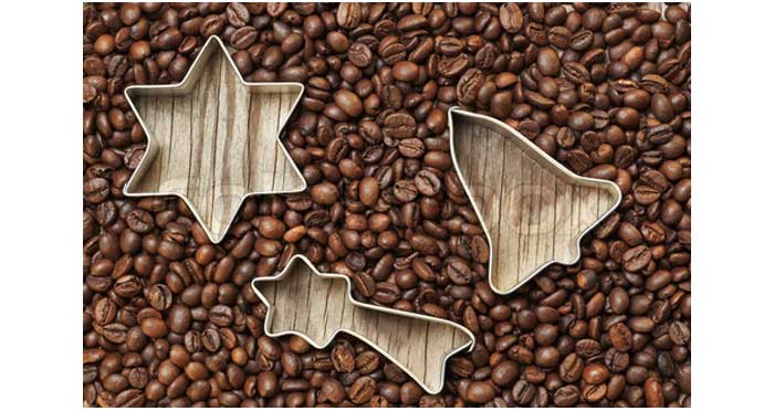 5151433-746796-group-of-christmas-items-in-coffee-beans-on-a-wooden-texture