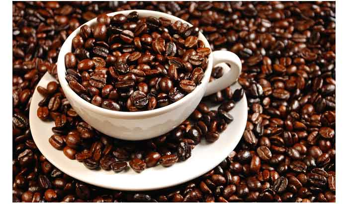 16199-coffee-and-coffee-beans-close-up