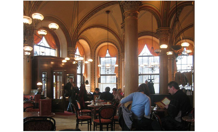 789px-Wien_Cafe_Central_2004