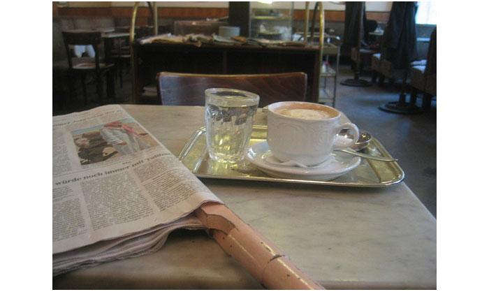 800px-Cafe_Braeunerhof_Wien_2004a