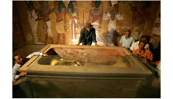 o-KING-TUT-TOMB-900