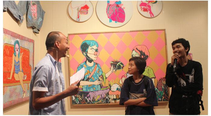 Gallery-run-trough-session-pameran-see(w)nting-bersama-Junk-Not-Dead-di-Kemang-Art-&-Coffee-Festival-2014
