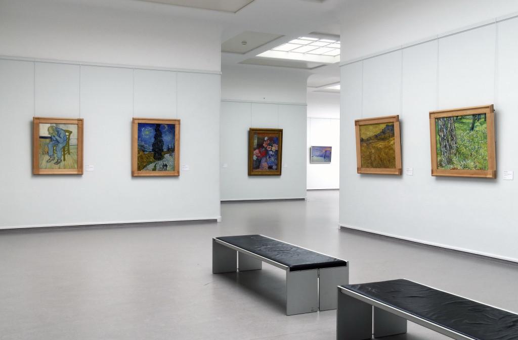 karya-karya van gogh yang ditampilkan di museum