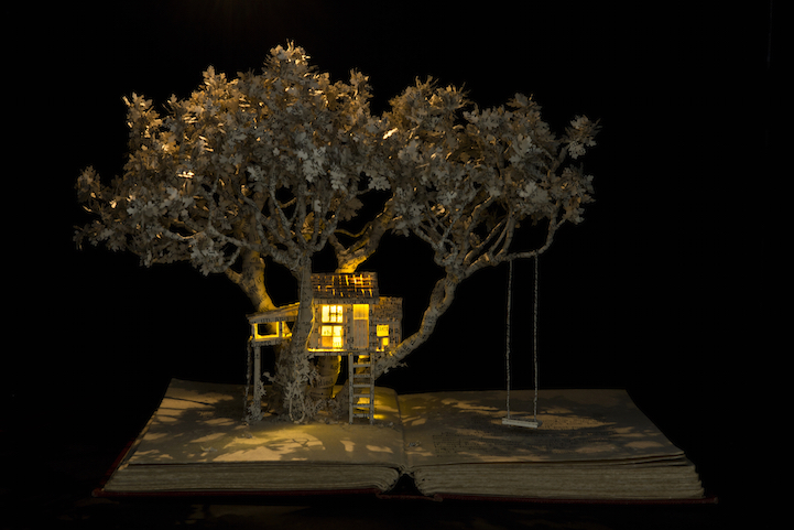 The House in the Oak Tree