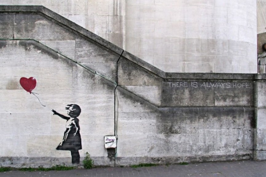 Banksy-Girl-with-a-Balloon-865x577