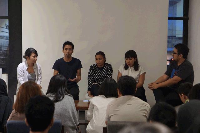 Sesi-Q&A-dan-diskusi-sebagai-penutup-acara-NgabubuArt-Catalyst-Arts-Kopi-Keliling