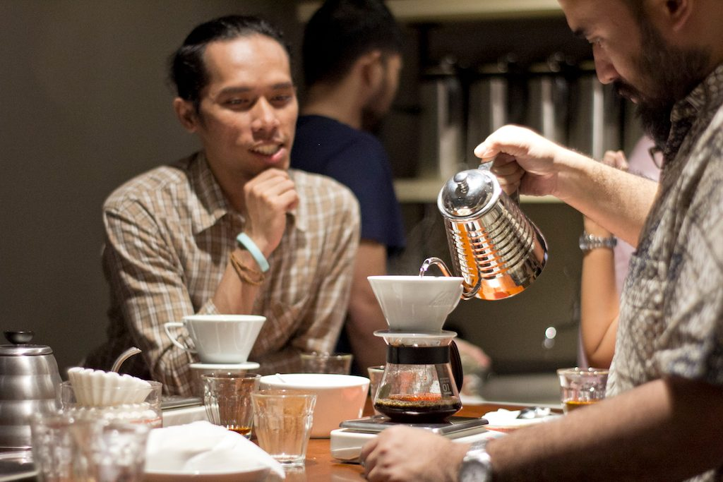 kelas basic manual brewing di 5758 coffee lab bandung